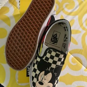 Mickey & Minnie Mouse vans